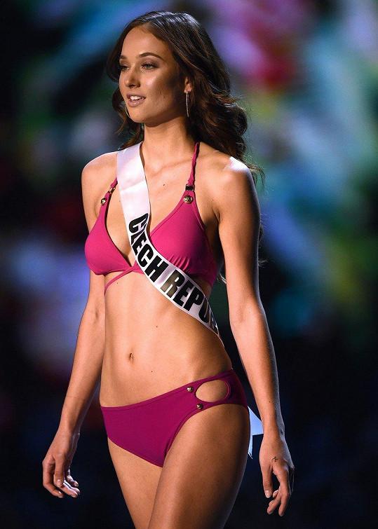 Lea Šteflíčková v plavkách na Preliminary show. Na finále promenáda v plavkách nebude kvůli kampani Me too.