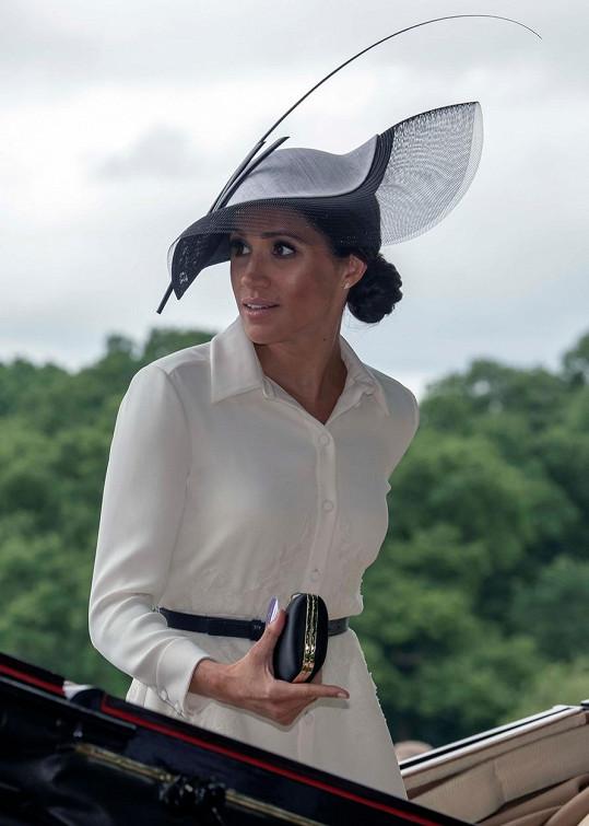 Další z důvěrnic vévodkyně Meghan promluvila.