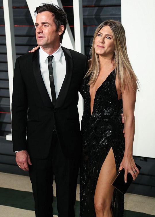 Aniston nevyšlo ani druhé manželství s Justinem Therouxem.