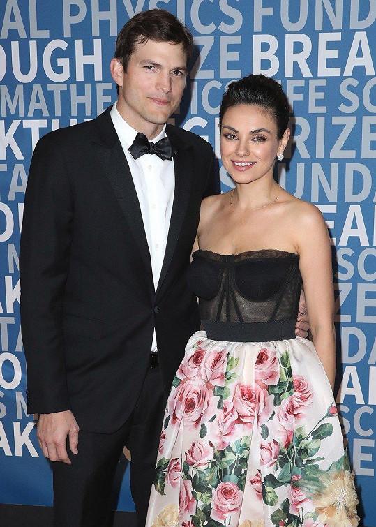 Mila Kunis a Ashton Kutcher byli hosty Breakthrough Prize Awards