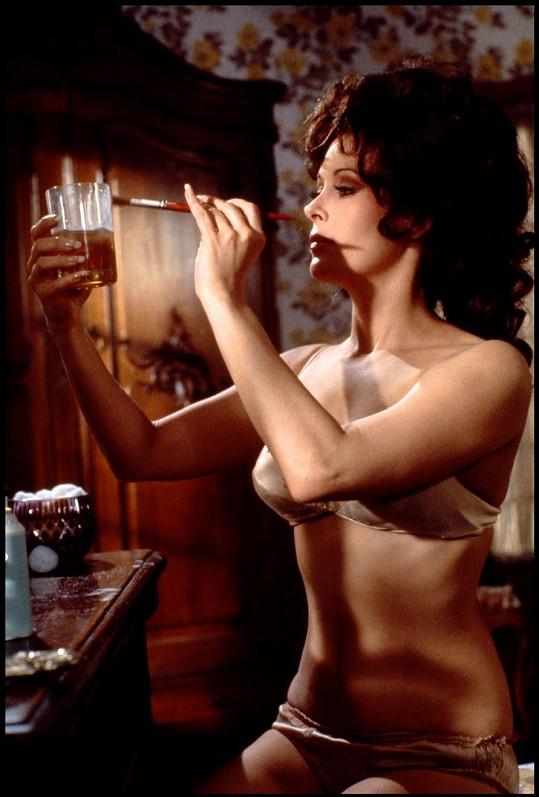Jill St. John ve filmu Diamanty jsou věčné (1971).