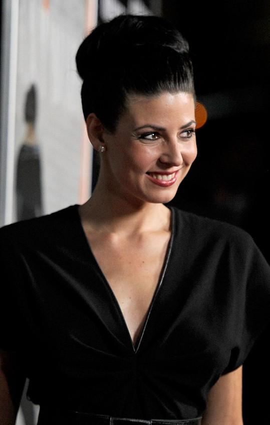 Natascha Berg je krásná žena.