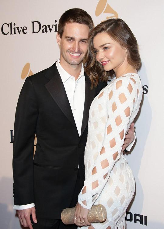 Modelka se současným manželem Evanem Spiegelem.