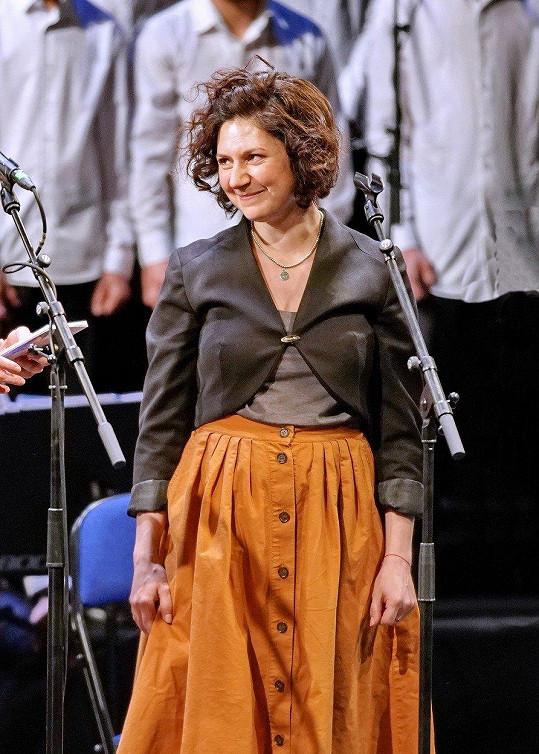 Martha Issová pokřtila CD souboru Čhavorenge vedeného Idou Kelarovou Hej Romale.