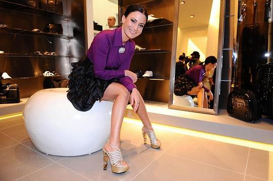 Gábina Partyšová si odnesla za moderování boty Baldinini.