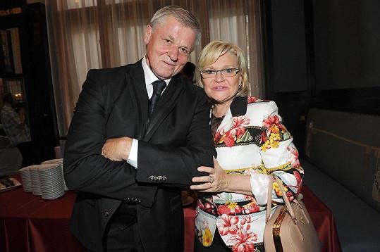 Laďa Kerndl s manželkou se už těší na dceřinu svatbu.