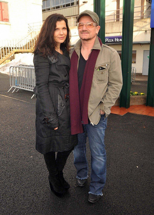 Bono Vox a Ali Hewson - 36 let