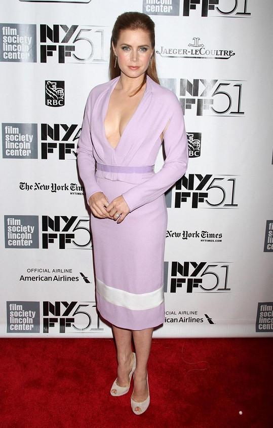 Amy Adams na premiéře filmu Her