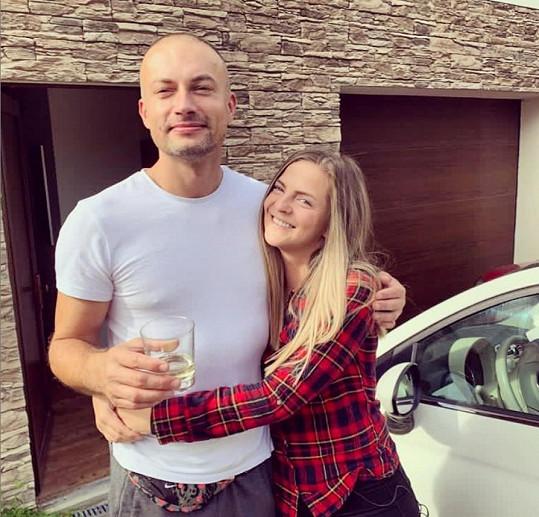 Petra Malíková se pochlubila fotkou se sympatickým mužem. Fanoušci ihned nabyli dojmu, že jde o novou lásku.