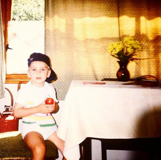 David se pochlubil fotkou, kdy byl ještě malý kluk.