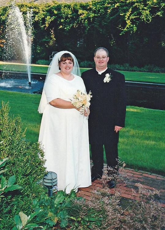 Beckah a Clyde v roce 2000 jako obézní pár