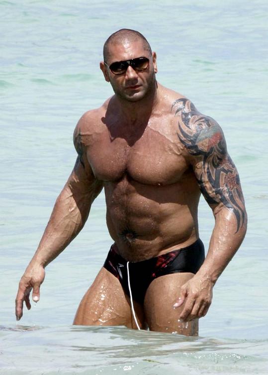 Dave patří mezi největší hollywoodské svalovce.