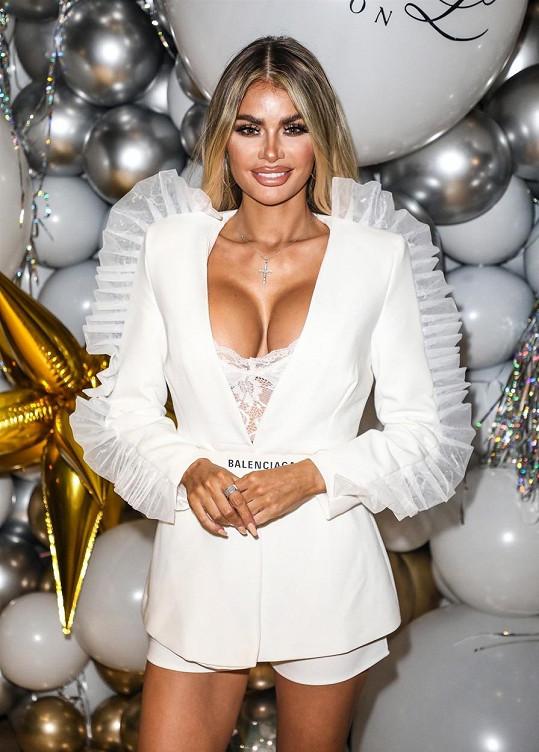 Chloe Sims vystavila na odiv vlastní balony.