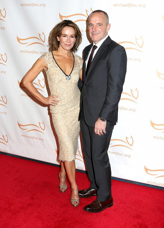 Před měsícem herečka oznámila rozvod s manželem Clarkem Greggem.