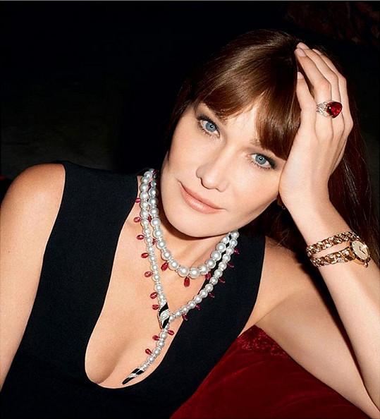 Carla Bruni jako modelka začínala.