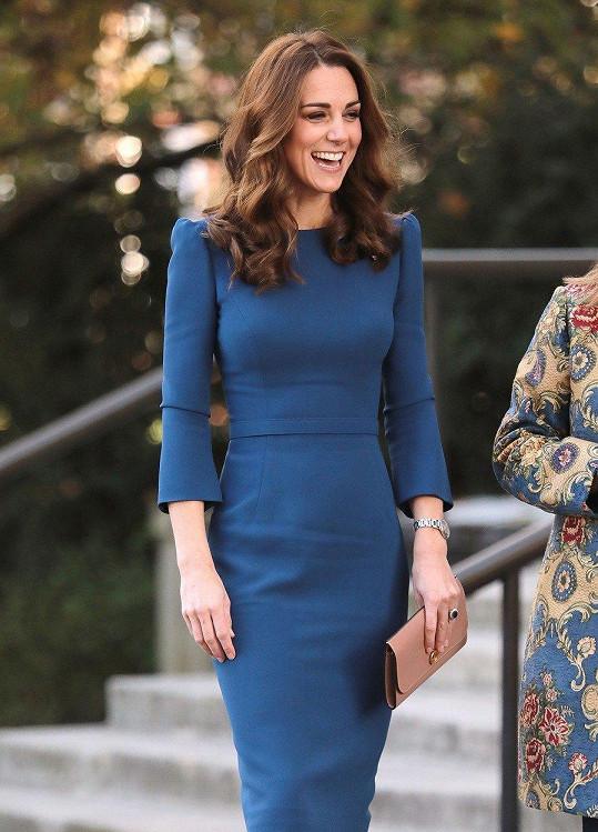 Vévodkyně je po třetím porodu štíhlejší než kdy dřív.