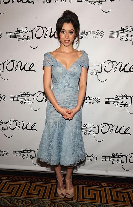 Roli matky ztvární Cristin Milioti.