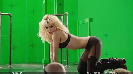 Jessica Alba jako striptérka Nancy