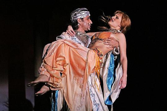 K divadlu se vrací, když se hraje muzikál Angelika.
