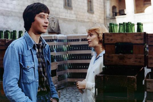 Miroslava jako Borůvka v komedii Jak svět přichází o básníky (1982).