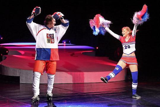 Tančila i s hokejistou Martinem Procházkou...
