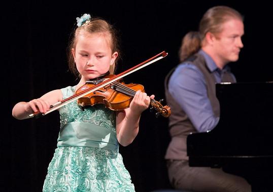 Violeta na sobě během vystoupení nedala znát zdravotní indispozici.