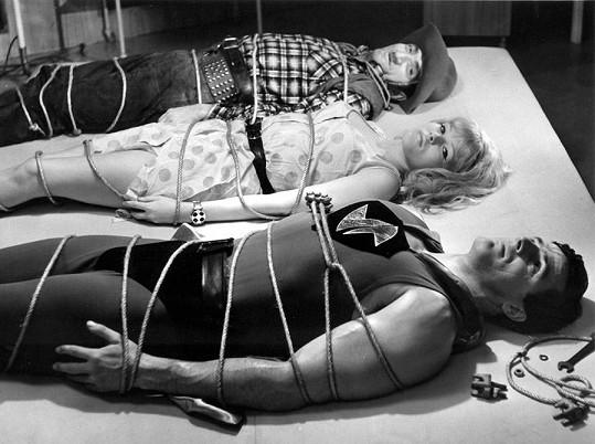 V legendární komedii Kdo chce zabít Jessii? (1966) s Karlem Effou a Jurajem Višným