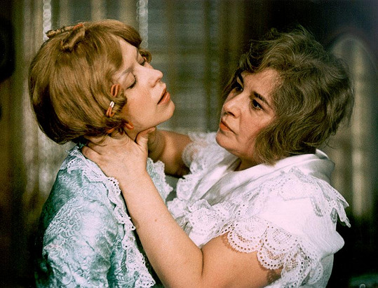 Se Stellou Zázvorkovou ve filmu Partie krásného dragouna (1970)