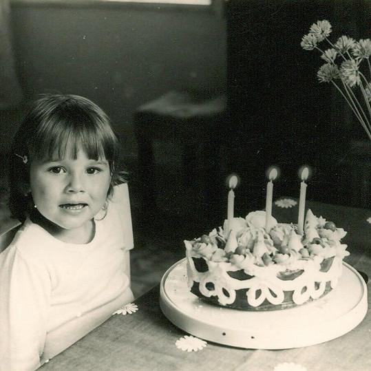 Alena Šeredová jako malá holčička.