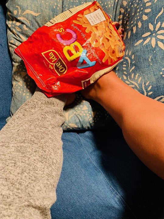 Sledujícím na Instagramu se svěřila s oteklýma nohama.