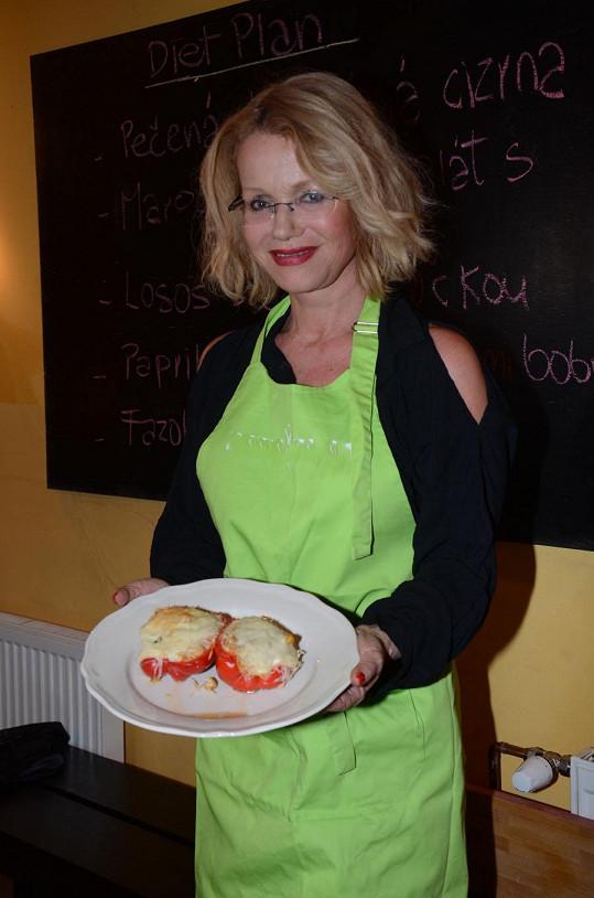Jitka Asterová se naučila vařit.