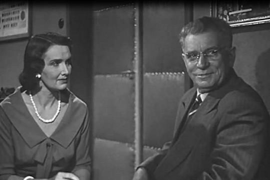Marta Fričová ve své poslední filmové roličce. Se Zdeňkem Štěpánkem ve filmu Dnes naposled (1958).