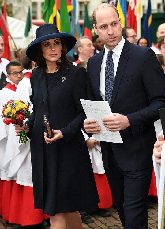 Kate a William se těší na třetí miminko.