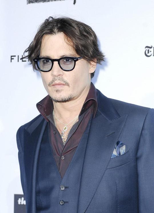 Herec byl požádán, aby od filmu odstoupil poté, co prohrál soud s britským bulvárem.