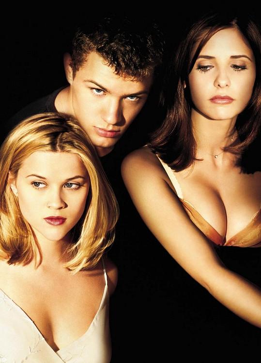Ryan Phillippe si s bývalou manželkou Reese Witherspoon a Sarah Michelle Gellar zahrál ve Velmi nebezpečných známostech.