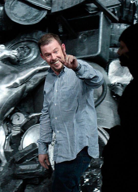 Alexander McQueen zemřel v roce 2010.
