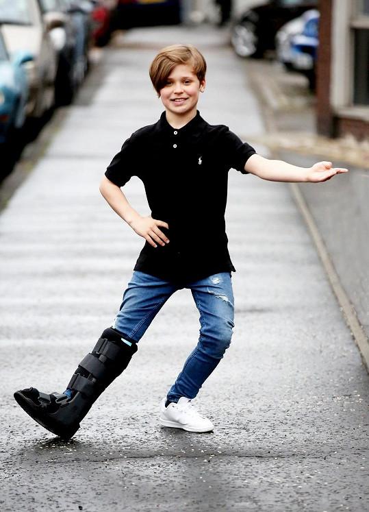 Byl seriálovým hercem a tanečníkem baletu.