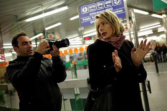 Ve filmu uvidíte Danu Morávkovou, Petra Baťka, Michaelu Tomešovou, Ladislava Ondřeje, Annu Kulovanou, Andreu Kalousovou iAnetou Vignerovou.
