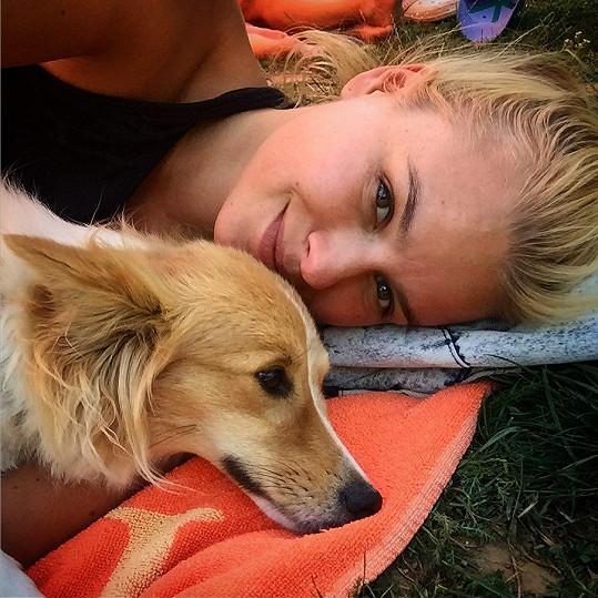 Patricie Solaříková s Jackie po dovolené v Chorvatsku