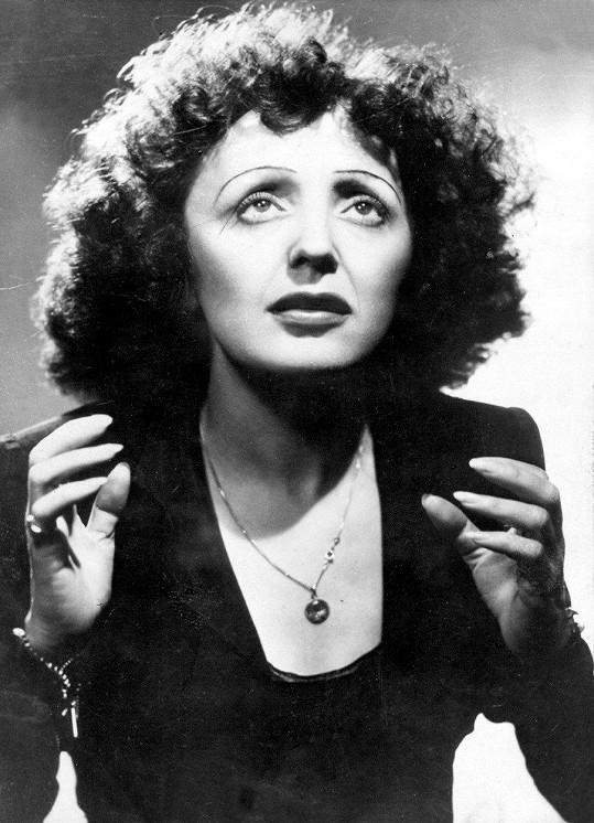 Francouzská šansoniérka Édith Piaf