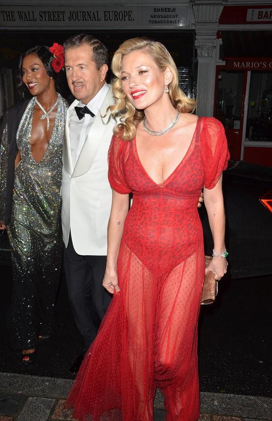 Kate Moss v průhledných šatech