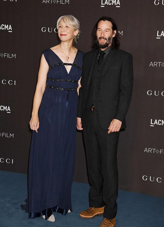 Keanu Reeves lásku s Alexandrou Grant neskrývá.