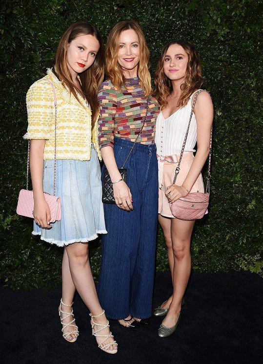 Herečka Leslie Mann s dcerami Maud a Iris