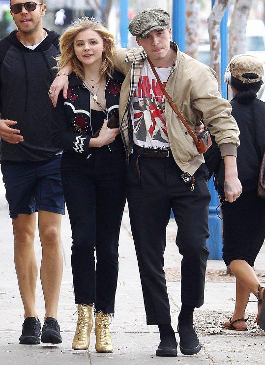 Brooklyn se svou bývalou přítelkyní, herečkou Chloe Moretz