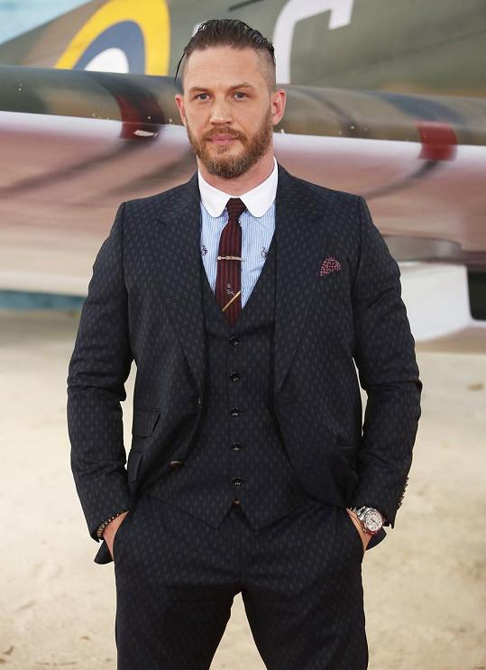 Po Davidu Craigovi by se mu v roli Bonda líbil Tom Hardy...