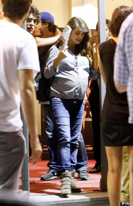 Penélope Cruz by měla porodit co nevidět.