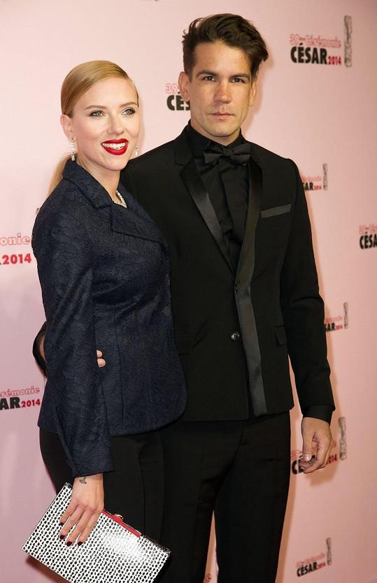 Scarlett Johansson a Romain Dauriak