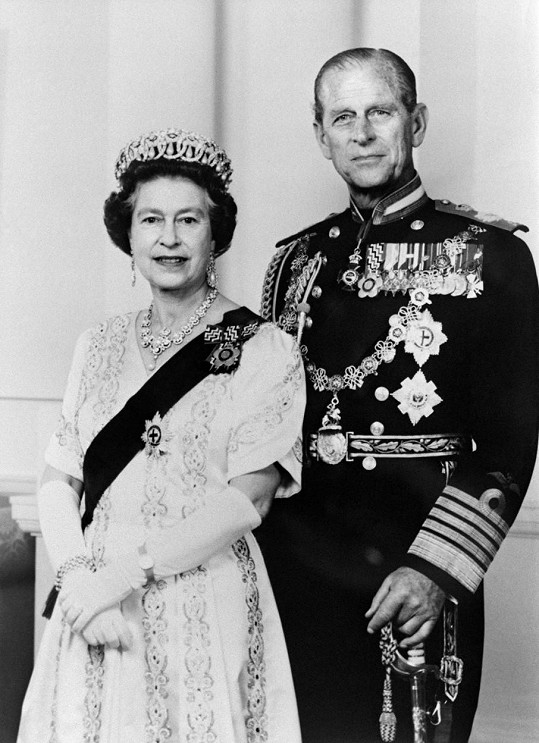 """Zajímavá je kolonka povolání na úmrtním listu: jako první zaměstnání je uvedeno """"námořní důstojník"""", jako druhé pak """"manžel Její královské Výsosti královny Alžběty II."""""""