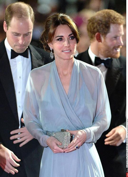 Vévodkyni do Royal Albert Hall kromě manžela doprovázel také princ Harry.