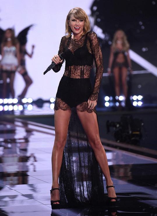 Taylor Swift to s oblékáním nepřehání.